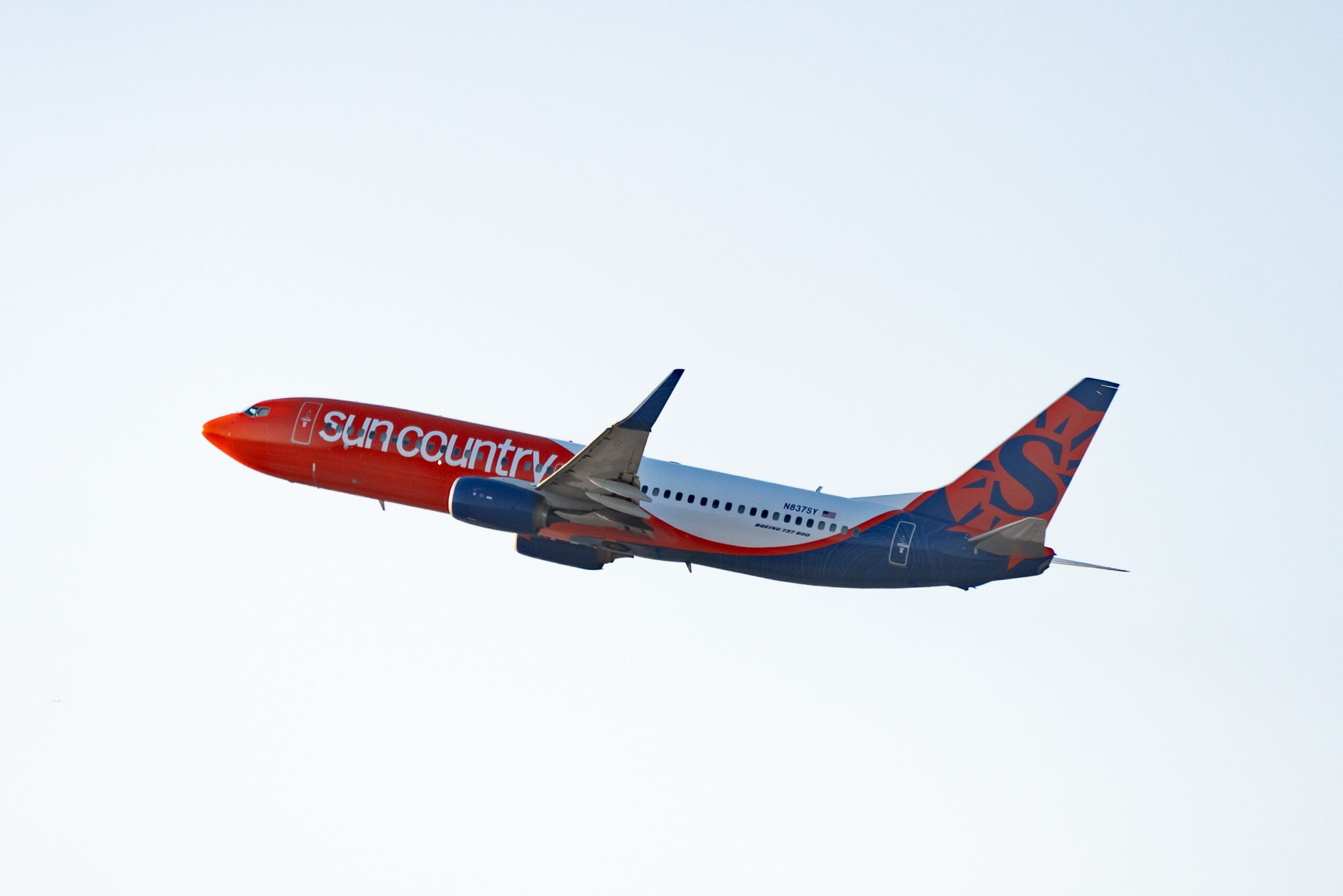 Sun Country Airlines jumps 51% in trading debut as investors bet on travel rebound