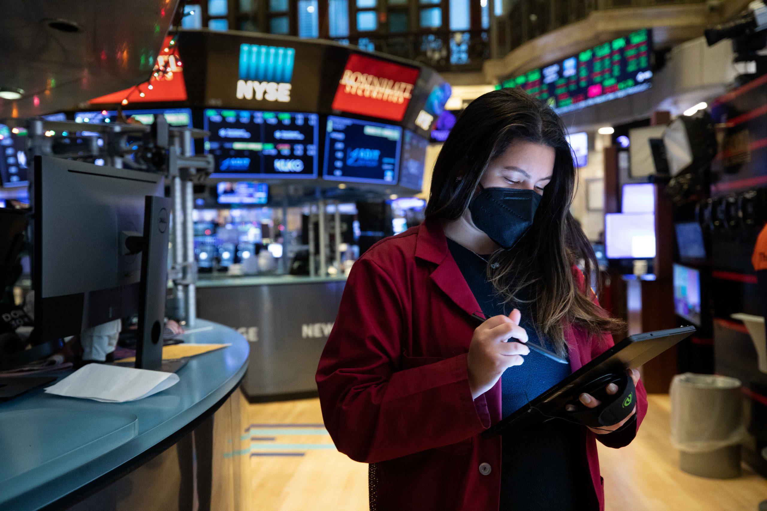 10-year Treasury yield holds steady around 1.63%