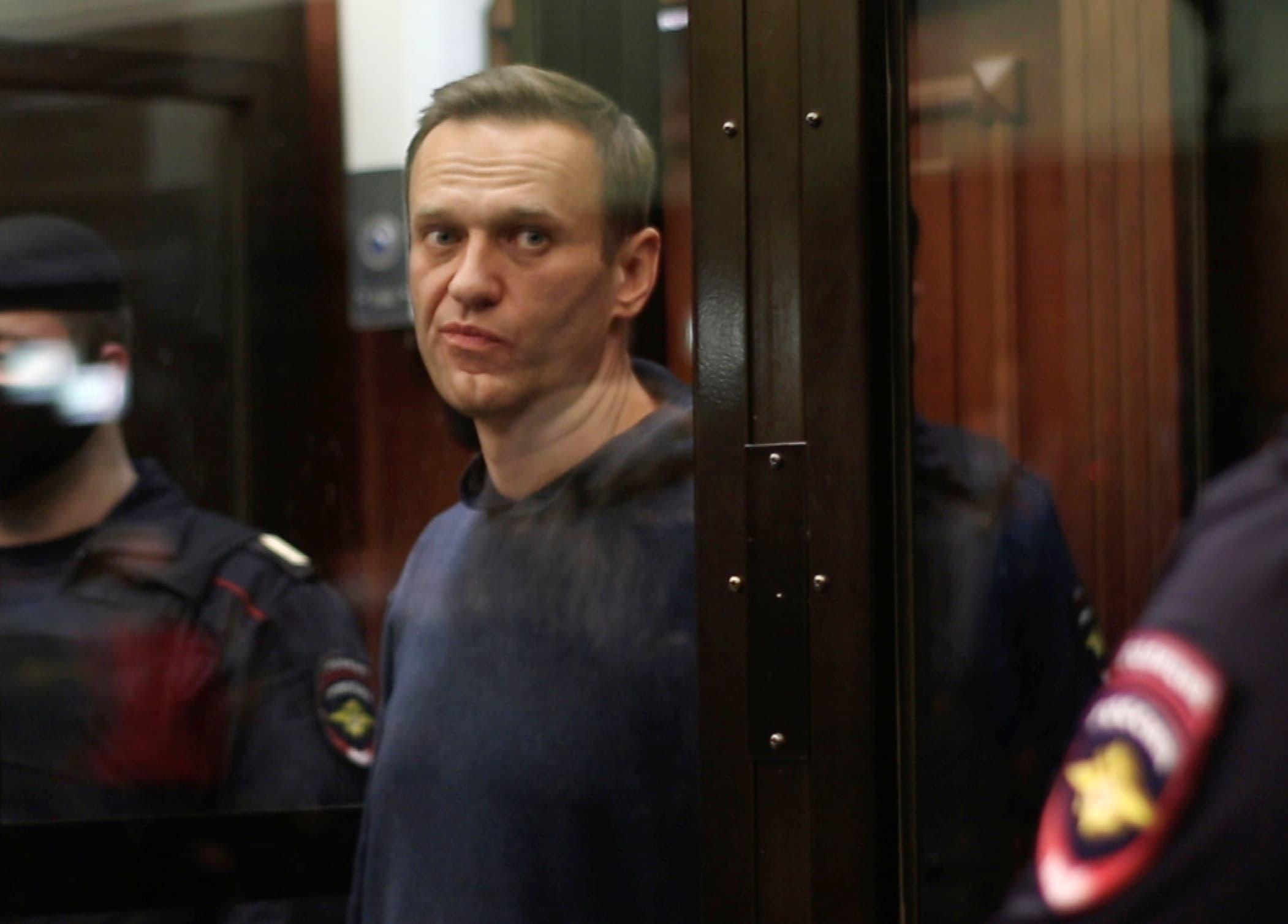 U.S. disturbed over Kremlin critic Navalny's deteriorating health
