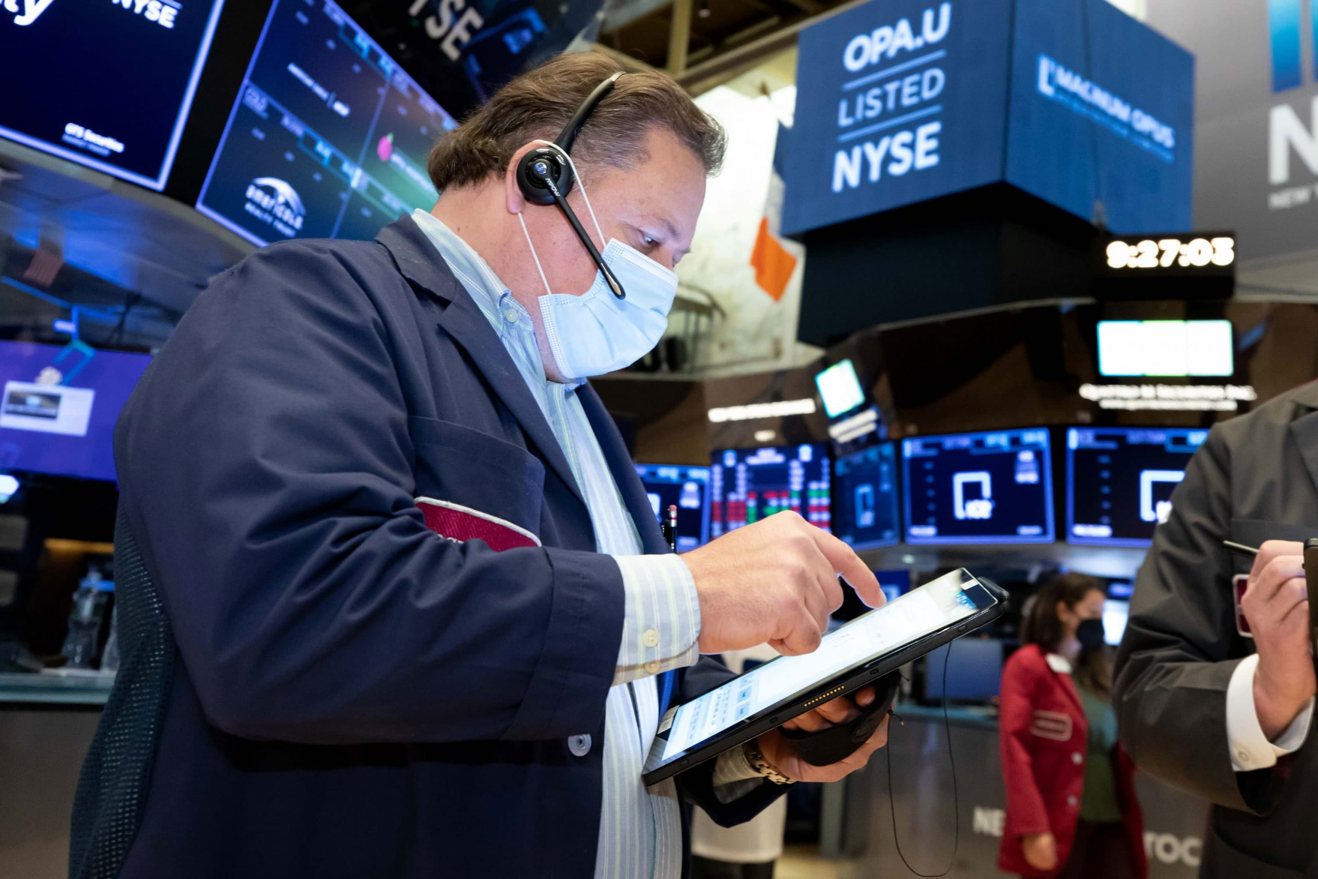 Stocks set to pop on strong earnings reports