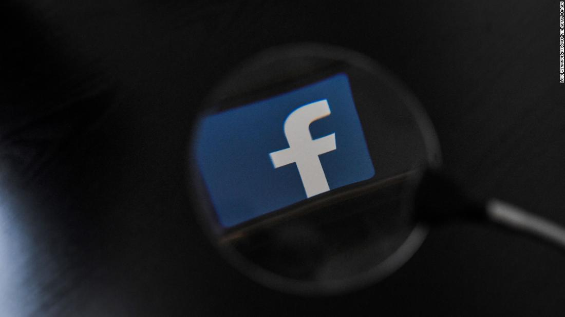 Facebook used by human smugglers to advertise services on the US-Mexico border, report says