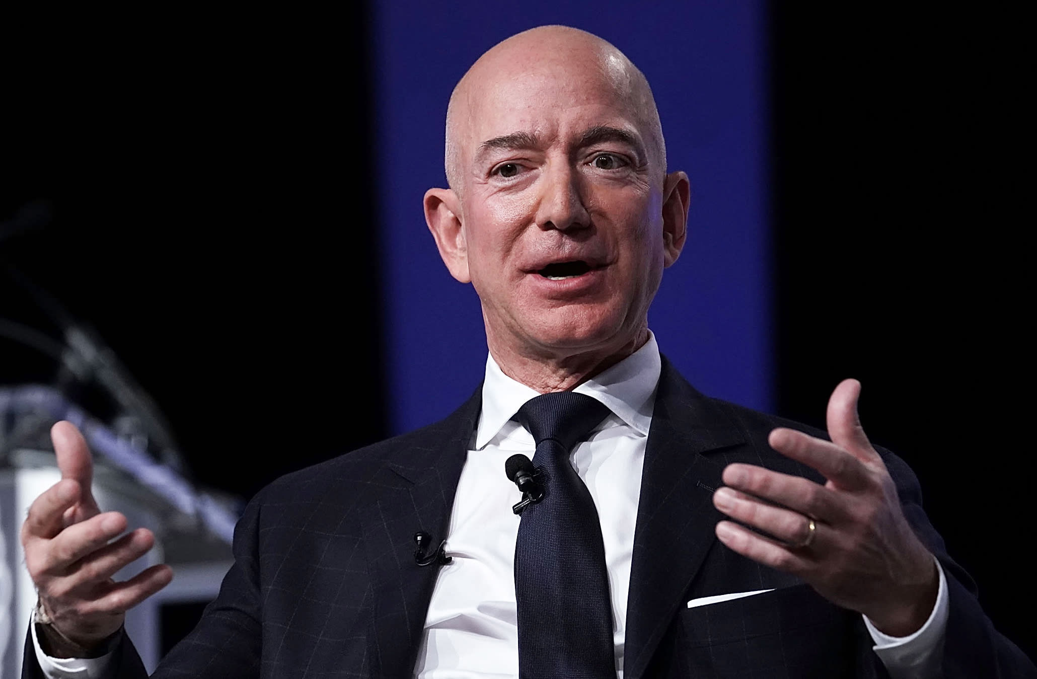 Amazon gets investors ready for day when Jeff Bezos isn't CEO