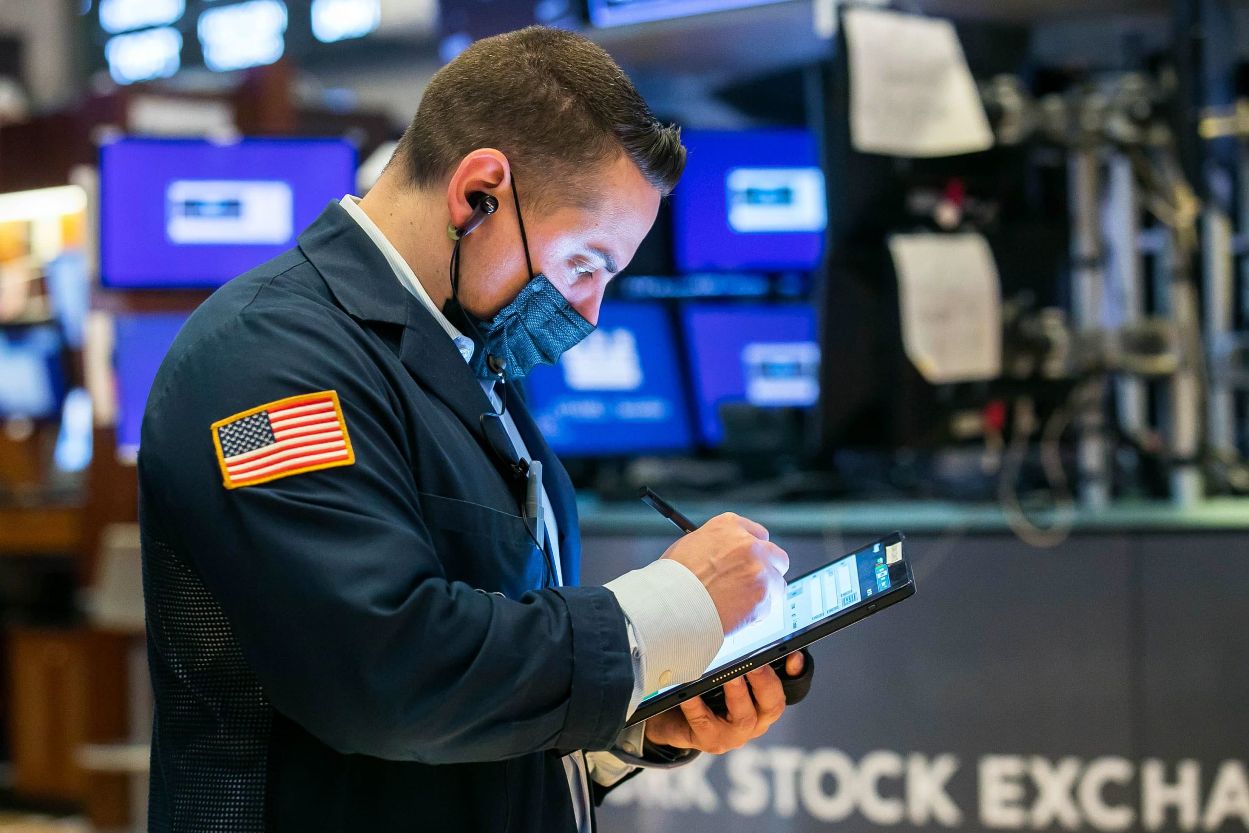 Wall Street set to drop after strong start to May