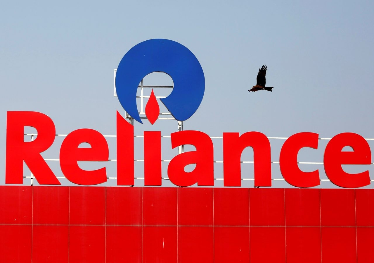 Reliance Industries  | The company's Q4FY21 consolidated net profit rose to Rs 13,227 crore from Rs 13,101 crore, while revenue increased 24.9 percent to Rs 1,54,896 crore from Rs 1,23,997 crore, QoQ. ( Disclosure : Reliance Industries Ltd, which owns Jio, is the sole beneficiary of Independent Media Trust that controls Network18, the parent company of CNBCTV18.com.)