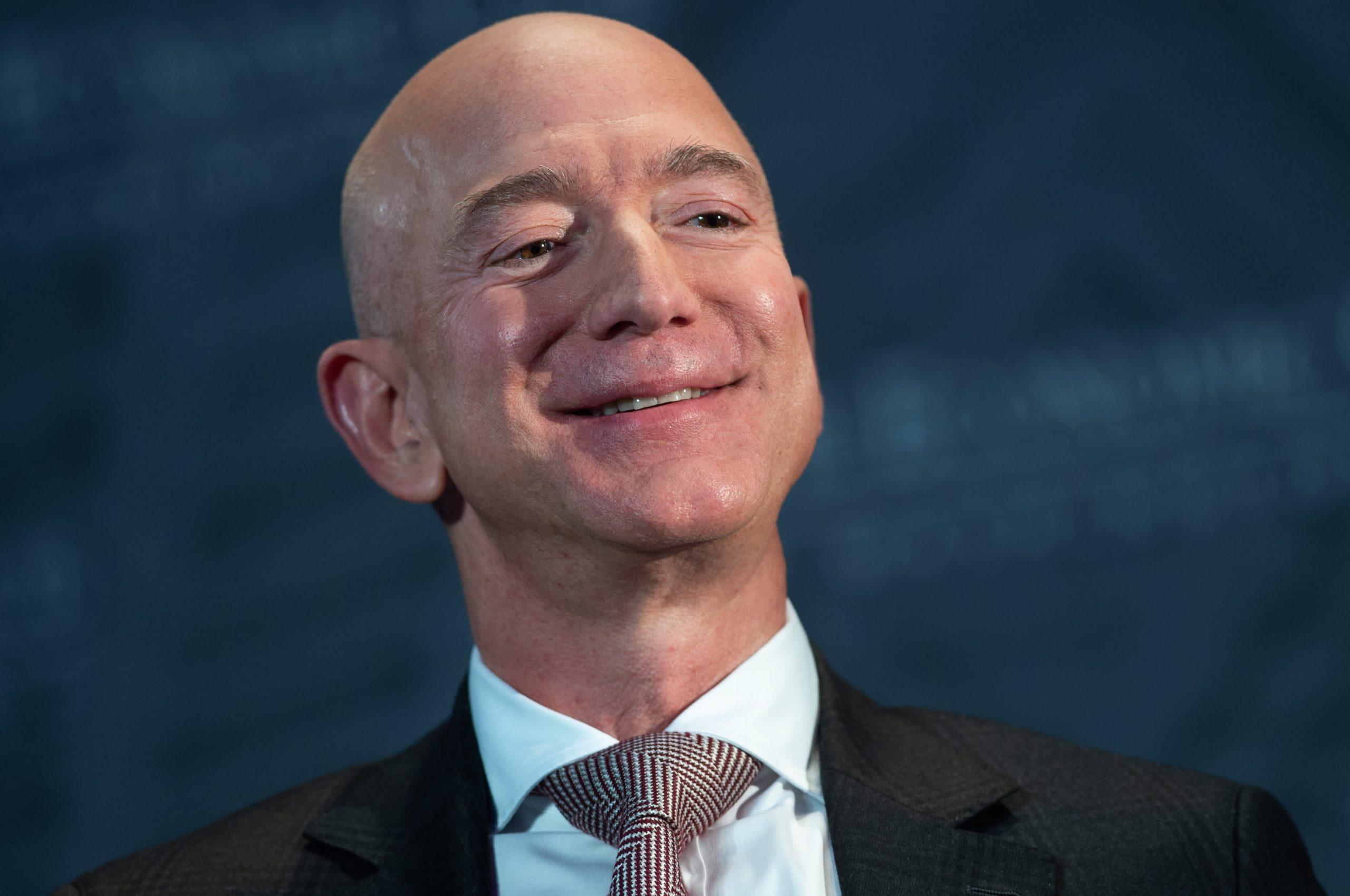 Amazon to overtake Walmart as largest U.S. retailer in 2022 — JPMorgan