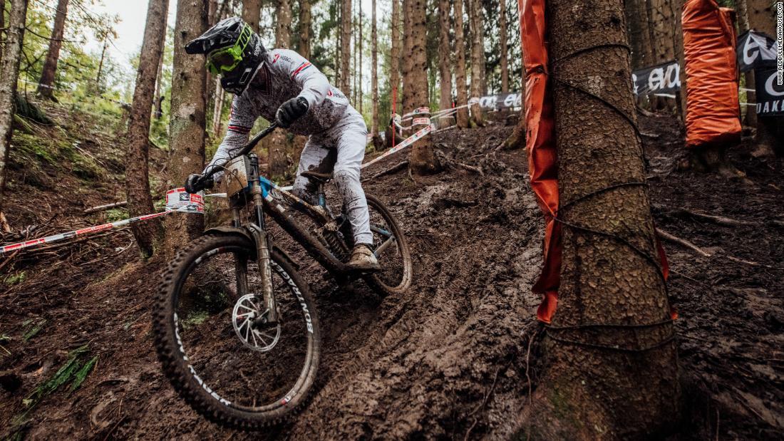 The UCI Mountain Bike Downhill World Cup - CNN Video