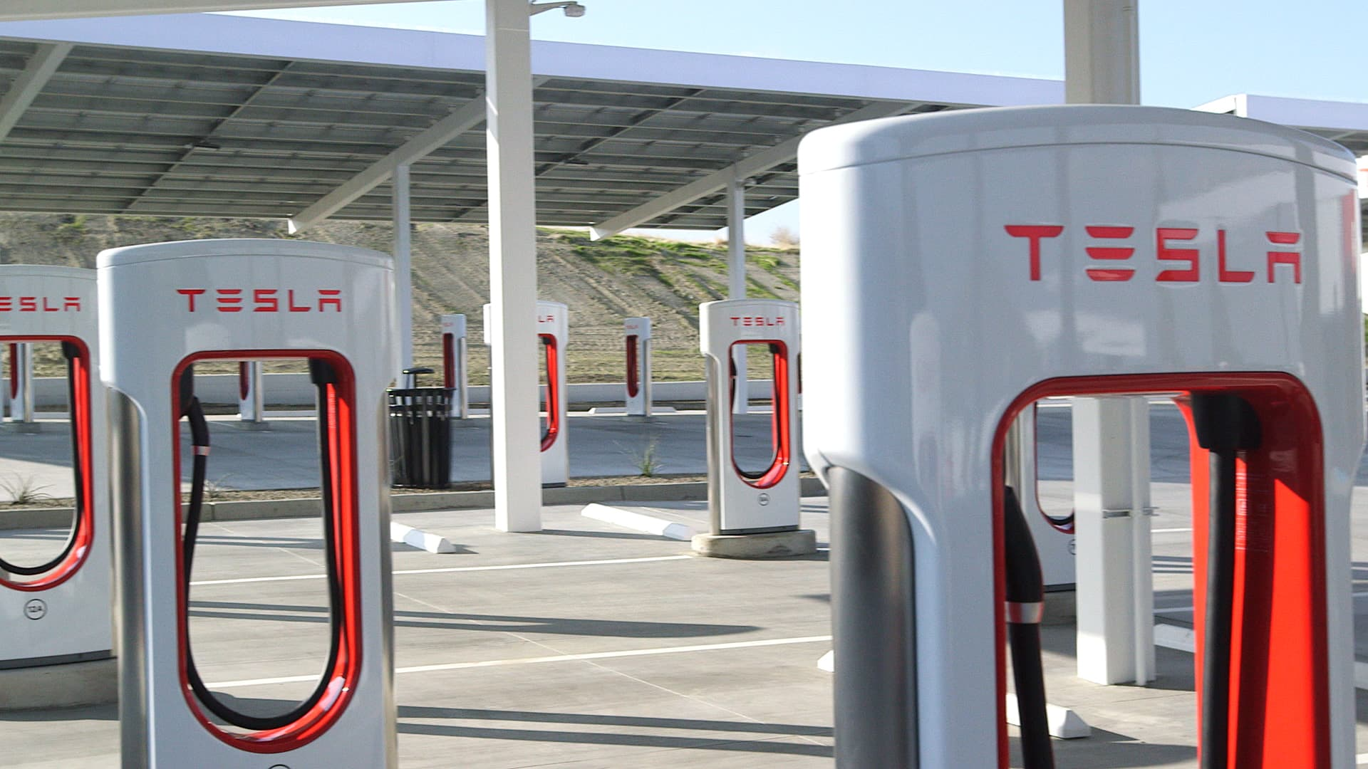 Elon Musk says Tesla will open Superchargers to other cars in 2021