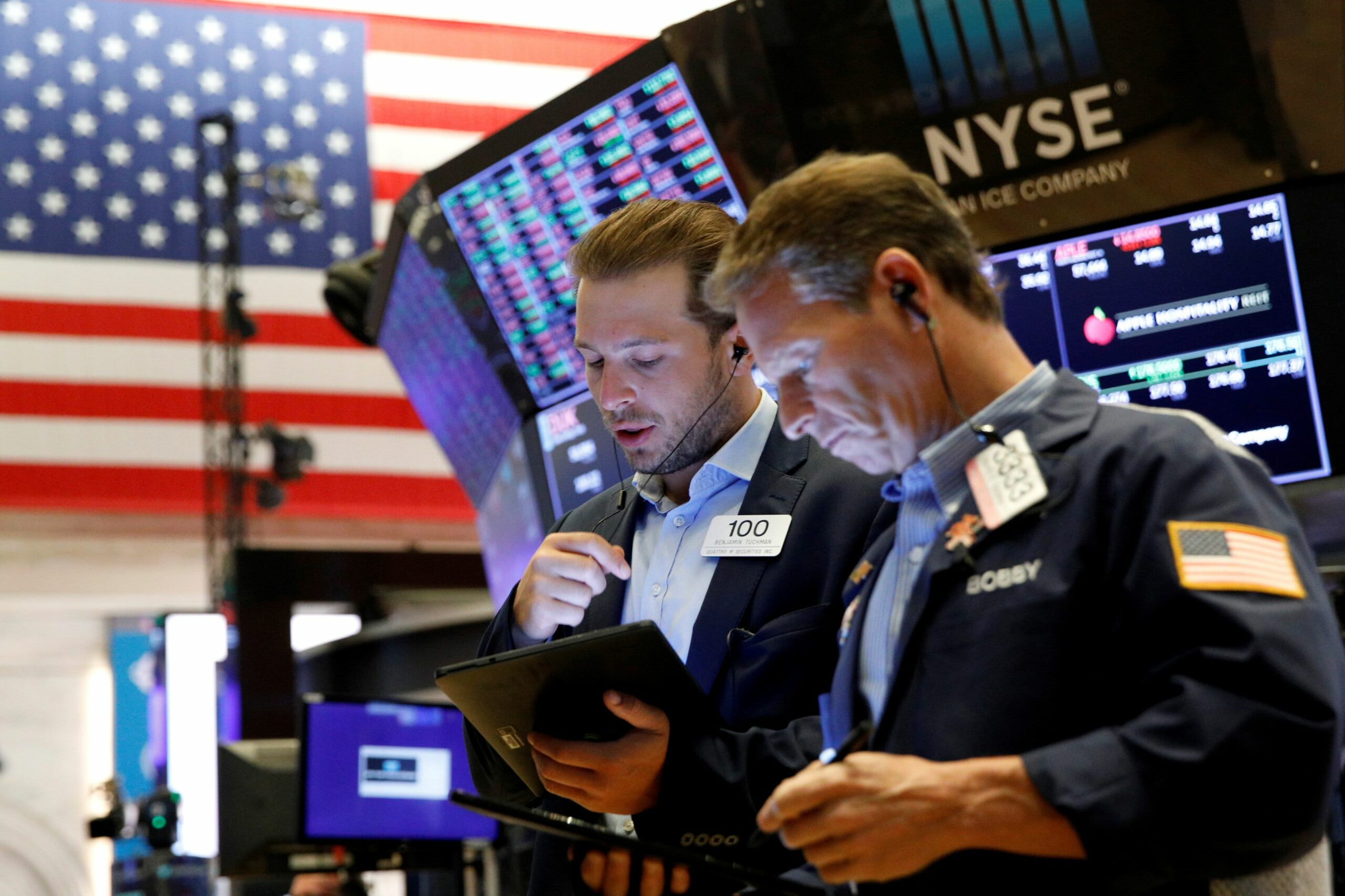 Dow jumps nearly 400 points after better-than-expected earnings reports